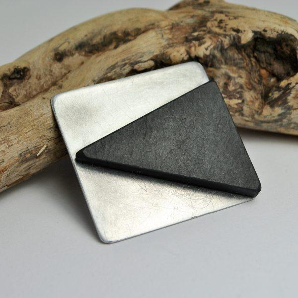 spilla peak quadrata
